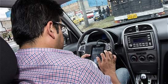 Cuatro razones para no usar el celular cuando maneja