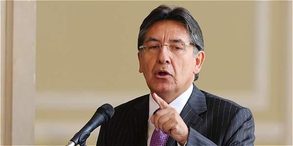Derrota en plebiscito cerraría oportunidades de expansión económica, según Santos — Colombia
