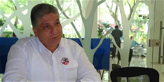 Sigifredo López pide a RCN que se retracte por acusarlo de guerrillero