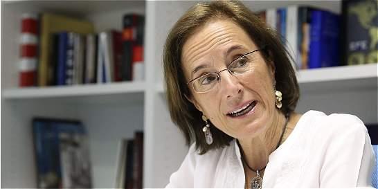 Premian a la periodista Salud Hernández-Mora
