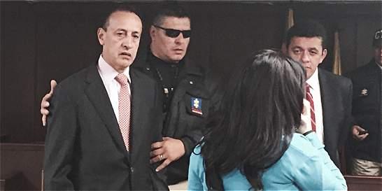 Condenan a exgobernador de Cundinamarca Álvaro Cruz