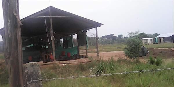 En marzo de este año, familias que habitan la vereda Caños Negros, Villavicencio, se manifestaron contra decisiones del Incoder.