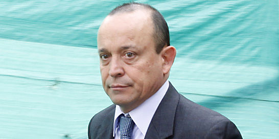 Expediente de Santiago Uribe enreda al exparamilitar 'Julián Bolívar'
