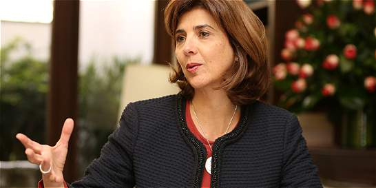Canciller María Ángela Holguín responde a afirmaciones de Noemí Sanín