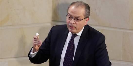 Abriré puertas a las minorías, sin fanatismos ni exageración: Carrillo