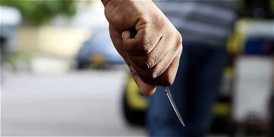 Cada día 8 personas mueren por heridas de cuchillo en el país