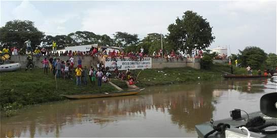 Rescatan cadáver de una de las dos niñas que cayeron al río Magdalena