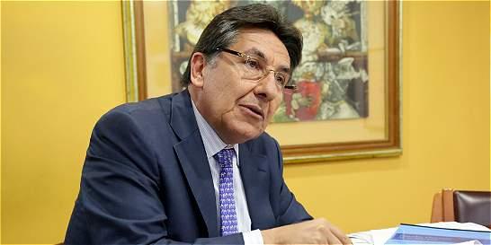 Fiscal denuncia que contratistas del Estado favorecen al narcotráfico