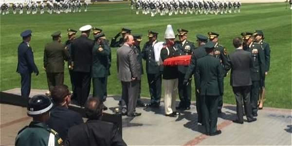 La ceremonia estuvo encabezada por el presidente Juan Manuel Santos y el ministro de la Defensa Luis Carlos Villegas.