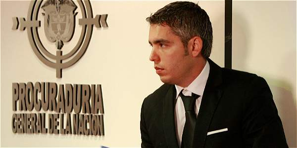 El exgobernador del Valle, Juan Carlos Abadía, fue destituido por la Procuraduría por participación en política.