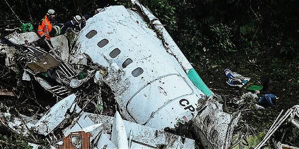 Imágenes de la dramática recuperación de los cuerpos del vuelo LaMia en Antioquia.