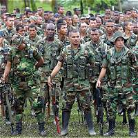 Imputarán cargos a 725 exparamilitares por más de 22.000 delitos