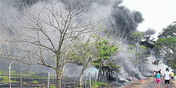 El atentado contra el oleoducto provocó daños ambientales en la vereda Cañaguata, Boyacá.