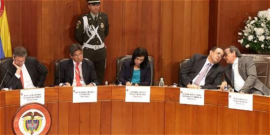 Tras largo debate, aún no hay decisión sobre 'fast track' para la paz