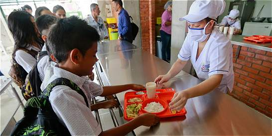 Continúan las irregularidades en los contratos de alimentación escolar