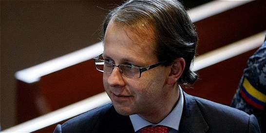 Tratado de extradición sí está vigente: Gobierno a Andrés Felipe Arias