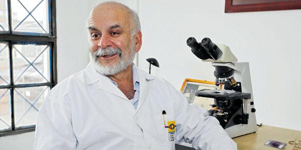 Morales tiene hoy 69 años y es toda una institución en Medicina Legal.