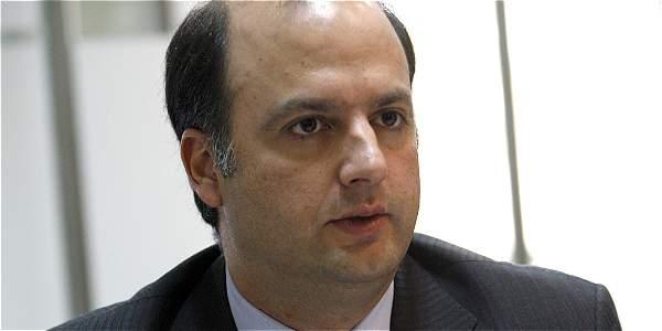 Capturan a ex viceministro por sobornos de Odebrecht