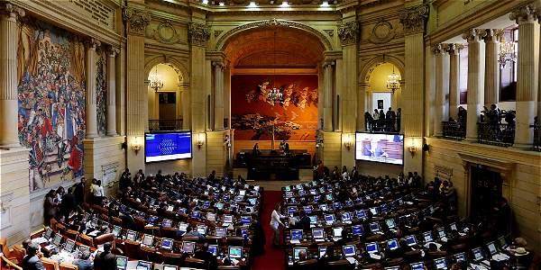 Con 85 votos por el sí y 20 por el no, la plenaria de la Cámara aprobó este miércoles el proyecto de acto legislativo que crea la justicia especial para la paz que cobijará a los excombatientes.