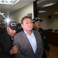 Otto Bula, una modelo y 3 capos 'legalizaron' predios de la mafia