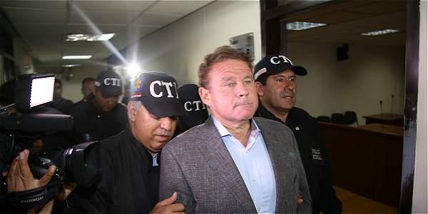 La Fiscalía alista la captura de al menos cinco funcionarios implicados en la infiltración del exsenador Otto Nicolás Bula.