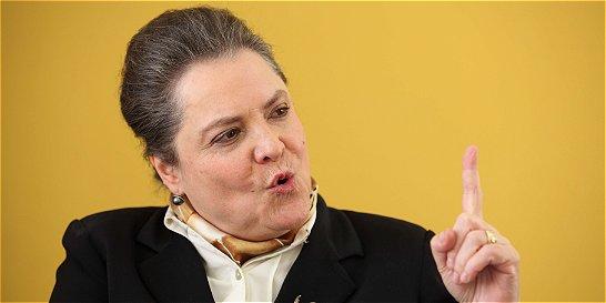 Clara López rechaza recientes actos violentos contra mujeres