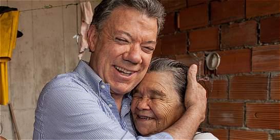 Santos se vio con la mujer que dijo que no votaba por 'Zurriaga'