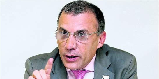 Roy Barreras fue operado por infección a su regreso de Beijing