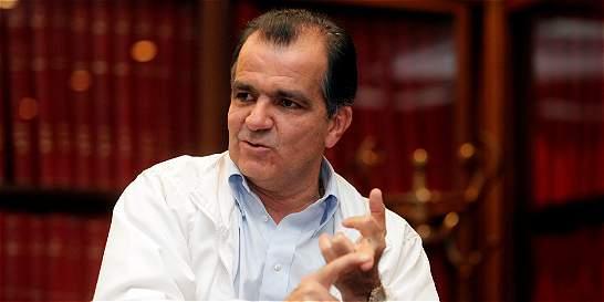 'Nuestras personas detenidas son presos políticos': Óscar Iván Zuluaga
