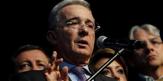Álvaro Uribe pide que armas de las Farc no sean entregadas a Venezuela
