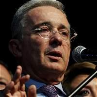 Uribe dice que están ilusionando a militares y pueden terminar presos