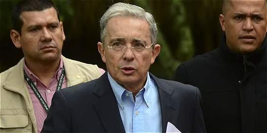 Uribe apoya parte de la ley de orden público del Gobierno