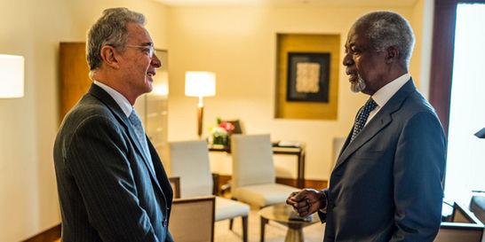 En secreto / Encuentro privado de Uribe con Annan