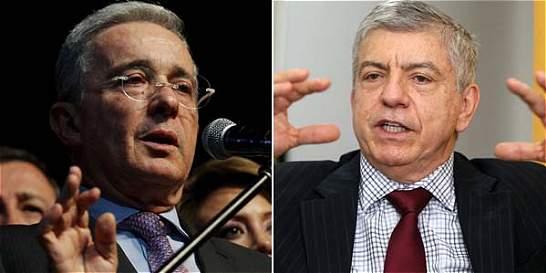 El desencuentro entre Uribe y Gaviria por la masacre de 'El Aro'