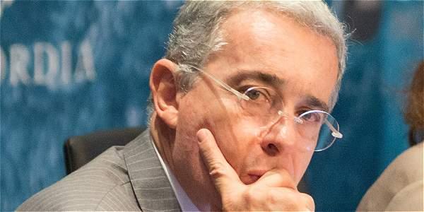 Joven increpó al senador Uribe en Buenaventura — En vídeo