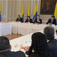 Congresistas conservadores están satisfechos tras reunión con Santos