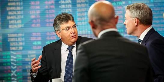En secreto / Cárdenas explicó los ajustes económicos