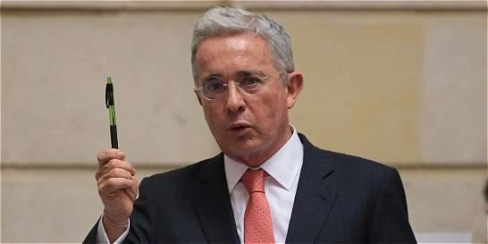 Senador Álvaro Uribe dice que no se propondrá revocar acuerdos de paz