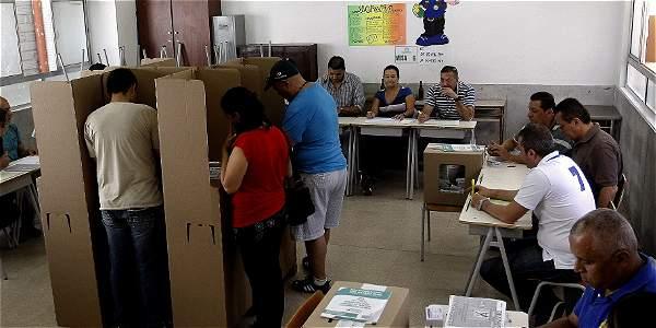 Alejandra Barrios, directora nacional de la MOE, afirmó al término del evento que Colombia no cuenta en la actualidad con las herramientas para poder hacer una vigilancia en tiempo real.
