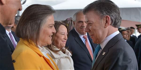 Clara López y el presidente Juan Manuel Santos se encontraron en el Consejo Nacional de Paz.