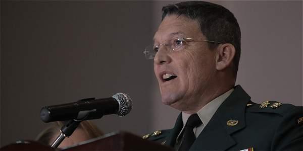 El general Rubén Darío Alzate durante la rueda de prensa donde explicó que el motivo de su viaje había sido por motivos de servicio comunitario.
