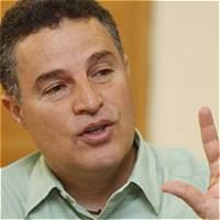 Alcalde de Medellín dice que no irá a Cuba