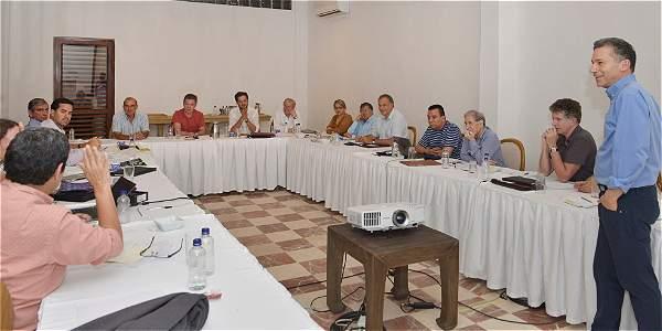 Continúan reuniones entre Santos, miembros del equipo negociador y expertos internacionales para analizar la marcha y próximas etapas del proceso de paz.