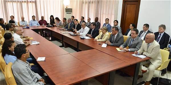 Así se da primer cara a cara entre los militares y las Farc en Cuba