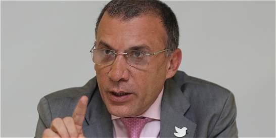 Exponen 'coincidencias' del Gobierno de Uribe con el proceso de paz