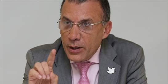 Comisión para paz tendrá cuota femenina, dice Roy Barreras