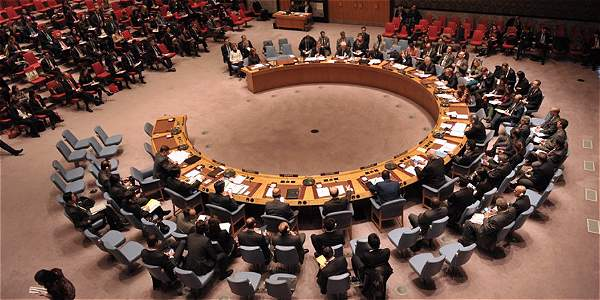 A los 15 integrantes del Consejo de Seguridad de la ONU les tomó menos de un minuto votar la resolución, que lideró el Reino Unido.