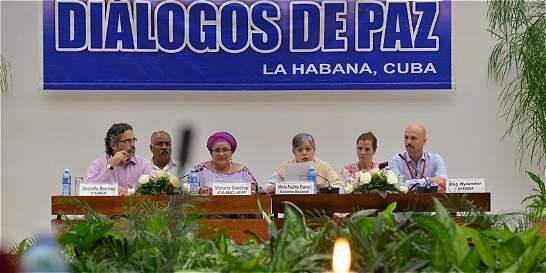 Subcomisión de género de La Habana recibe a 13 exguerrilleras