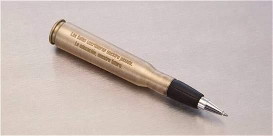 El 'balígrafo' que Santos le regaló a 'Timochenko'