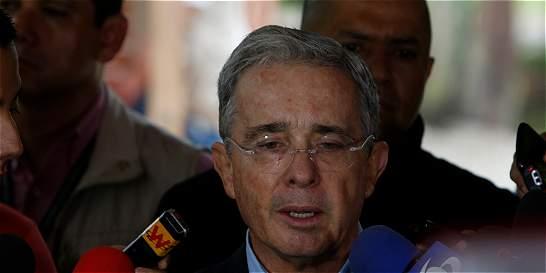 Tras mensaje de guerrillero, Uribe dice que buscan llevarlo a prisión